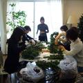 毎年大好評のクリスマスリースの教室。
