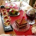 バレンタインのテーブル。イギリスのトライフルも。