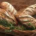 黒糖レーズン ライ麦入りのパン。 油脂分なしでヘルシー☆