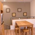 天然オークウッドのテーブルでパン作りを楽しんでください。