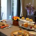 試食は季節に合わせたテーブルで。