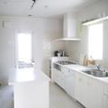 白くて明るいキッチンでパンのレッスン♪