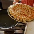 家庭料理の定番、焼き餃子!