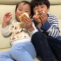 ママさん力作の可愛いパンをほおばる可愛いお2人☆