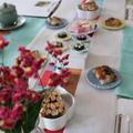 レッスン前の、講師手作りの伝統菓子や韓国餅。