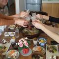 比内地鶏の鍋を囲んで日本酒で乾杯!