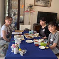 先日はステキな出会いがありました。レッスン後の食事風景です。