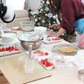 クリスマスケーキのナッペに挑戦中♪