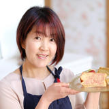 粉雪シフォンケーキマイスター 直子