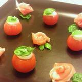 *まるごとミニトマトのカプレーゼ&生ハムのお花*