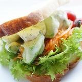 アボガドのフリッターdeサンドイッチ