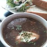 メープルとバルサミコのチキンオニオンスープ
