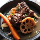 スペアリブと根菜類の有機バルサミコ酢煮込み
