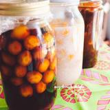 梅の発酵調味料漬け(塩麹漬け、醤油漬け)