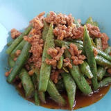 いんげん豆とひき肉のスパイシーケチャップ炒め