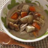根菜のピーナッツバタースープ