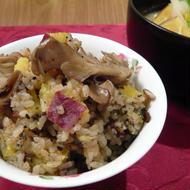 さつまいもと舞茸の炊き込みご飯