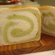 抹茶あんの渦巻き食パン