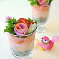薔薇ハムに一目惚れ♡洋風グラスで3色寿司