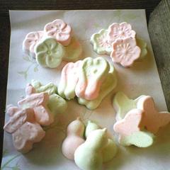 懐石クラスの春のお干菓子