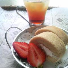 紅茶のロールケーキ&セパレートティー