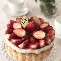 イチゴとマスカルポーネのケーキ