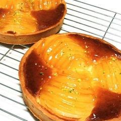 洋梨タルト。定番の味をいつでも美味しく作れるように。