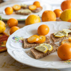冬の柑橘タルティーヌ。このレモンは森先生の自然農栽培です🍋