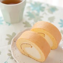 ロールケーキのキレイな巻き方をお教えしています。