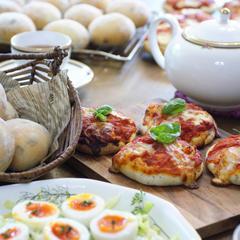 トマトソースやパンに入れる黒豆なども、美味しく手作り!