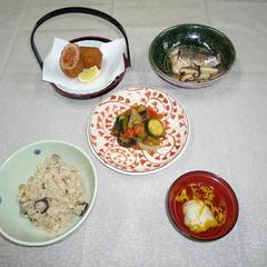 和食は1汁3菜をきほんとして、食器の種類、置き方を覚えます