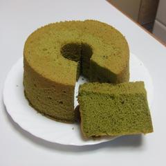 抹茶のシフォンケーキです