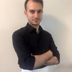 イタリア人講師ミケーレ。イタリア語はもちろん日本語英語対応