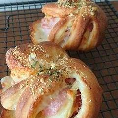 可愛いお総菜パン、親子レッスン&基本のパンレッスン共通です。