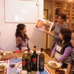 文化や食材についてのレクチャーも。