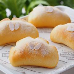 5月手ごねパン・チーズカスタードのクリームパン