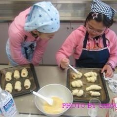 子どもパン教室は5歳から高校生までが参加されています。