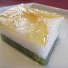 7月の和菓子講座のレモン風味の淡雪と抹茶羊羹の合わせです