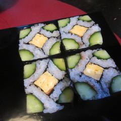 飾り巻き寿司で四角巻きです。5月の教室で挑戦してみましょう