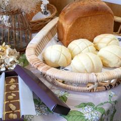 JHBS初級コース 食パン、メロンパン、ナッツチョコ