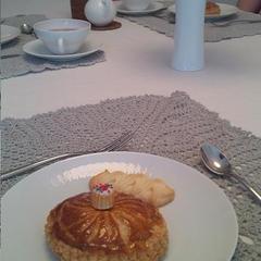 1月のレッスンはガレットデロワ。小さいご試食用も可愛く完成!