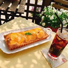 フルーツケーキクランブル (八朔)とアイスコーヒー