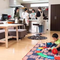 子連れOKの日には、お子様と同室でレッスン。