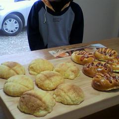 お友達同士で、2種類のパンを作ることもできます。