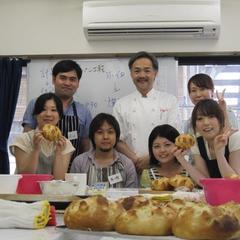 みなさん、美味しいパンができてご満悦です♪