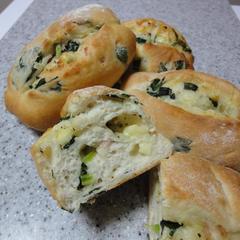 ホウレン草とチーズのパン