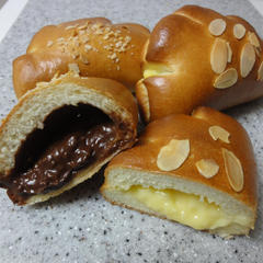 クリームパン(カスタード+チョコ)