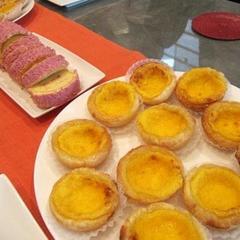 エッグタルトと桃色トルテ