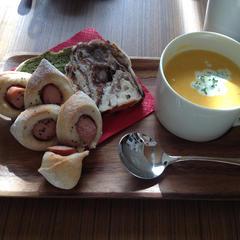 ショコラ&パンドミとにんじんのミルクスープ。