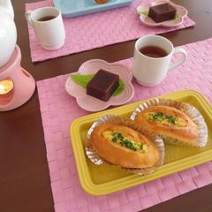 カリキュラムに沿って パン1種類お菓子1種類を作ります。